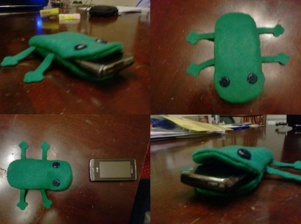 Cell Phone Case Thingy (1)